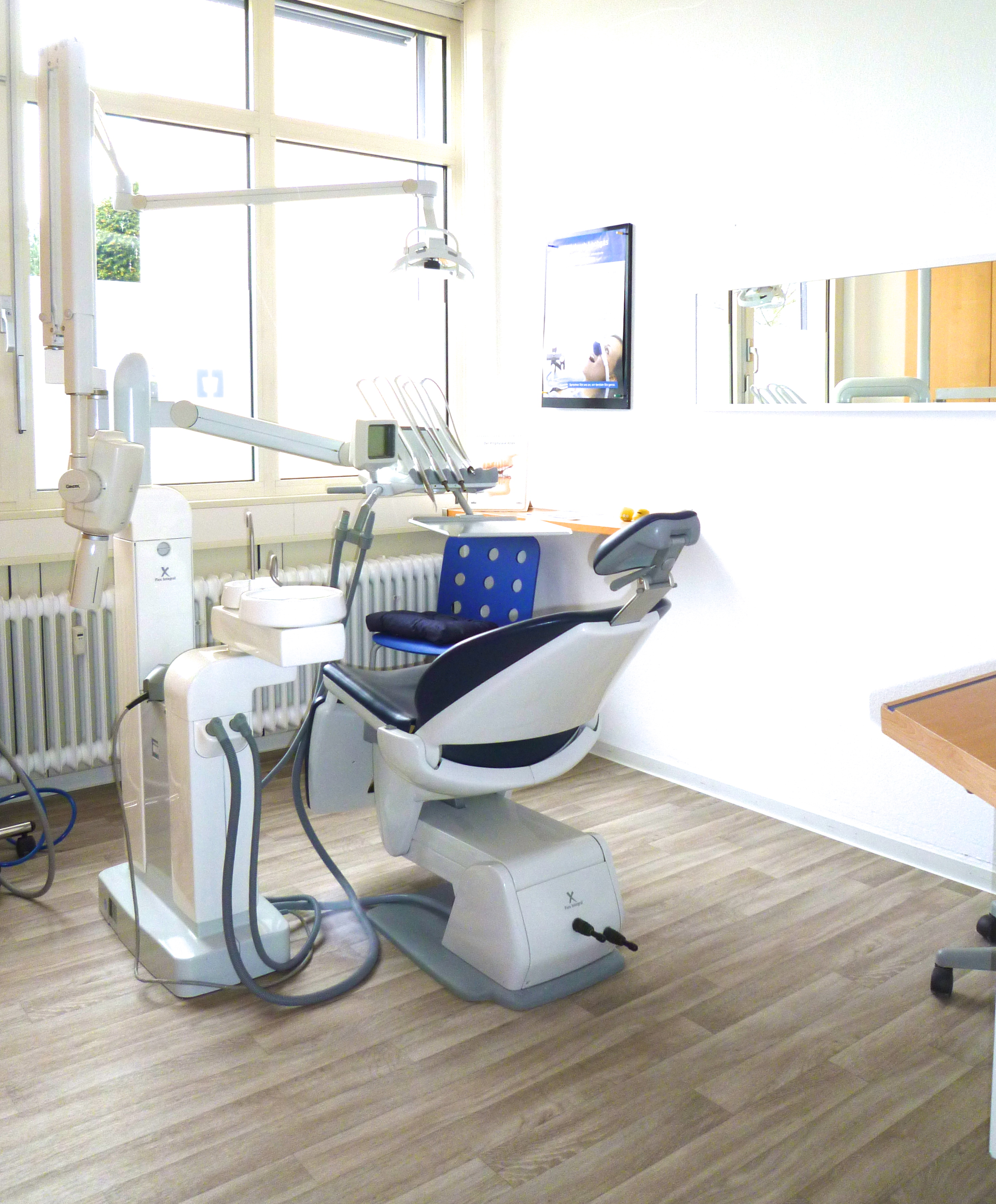 Zahnarztpraxis Degerloch Dr. Noushin Farivar Tanha Zahnärztin