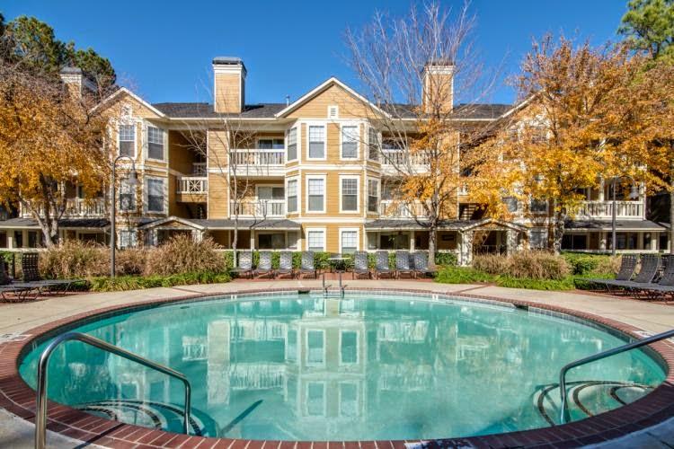 Arbors Harbor Town Apartments