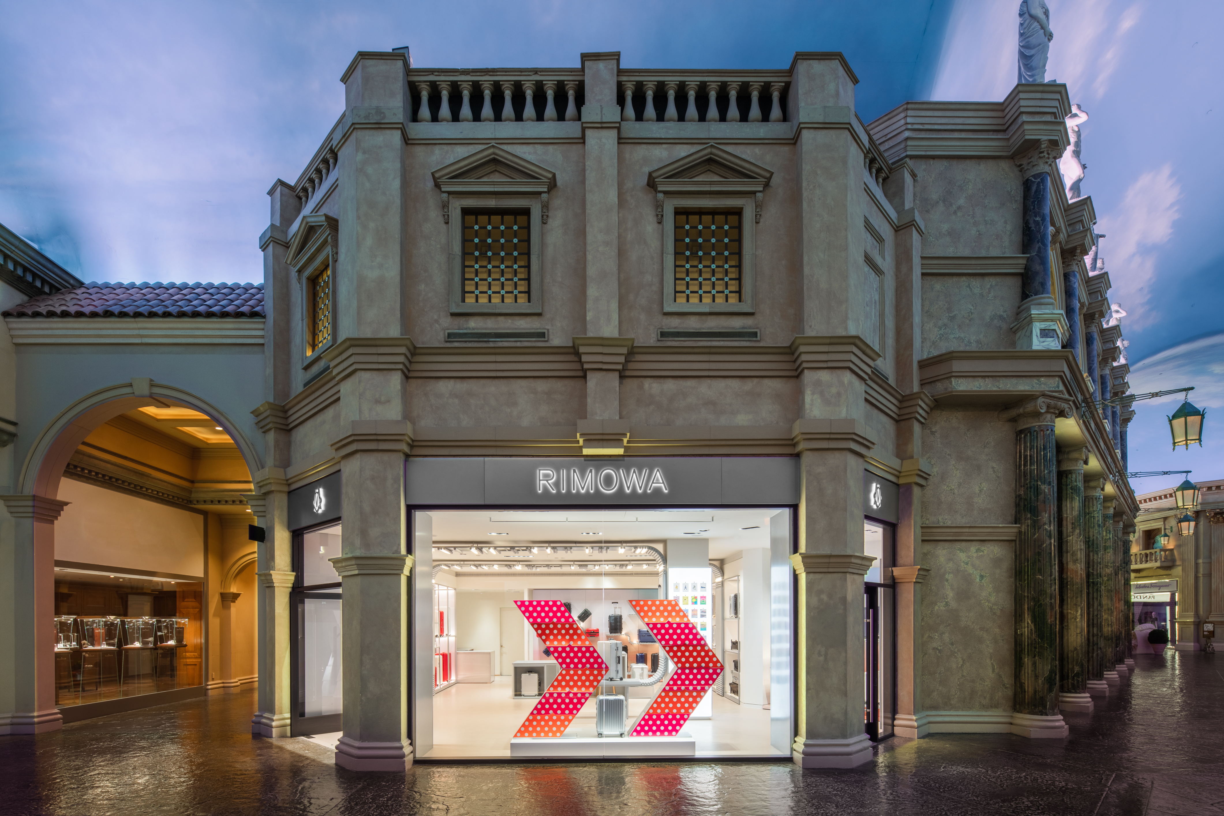 Image 2 | RIMOWA Store Las Vegas Forums