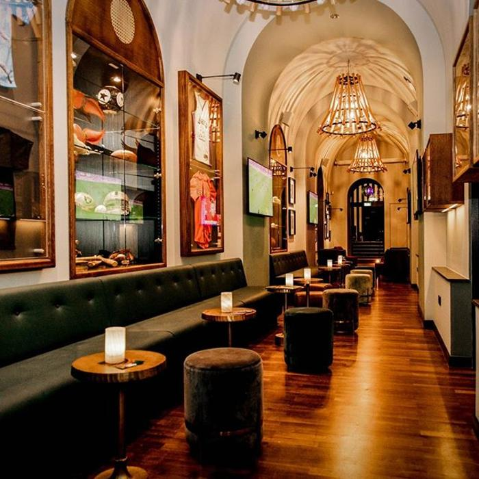 abclocal - discover about Bull & Bear Restaurant & Sportsbar in Frankfurt am Main