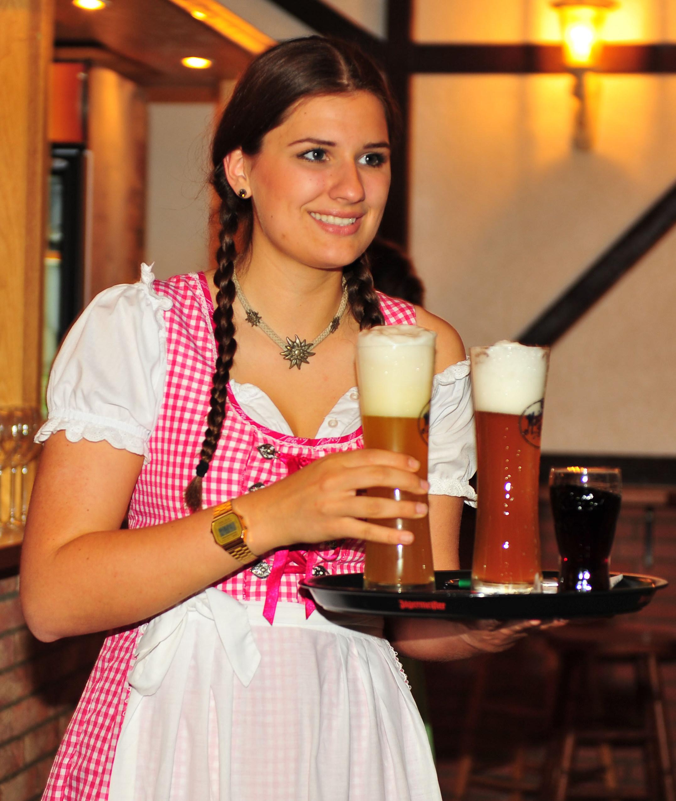 Getränke Schön - Lieferservice, BBQ Catering & Partyscheune