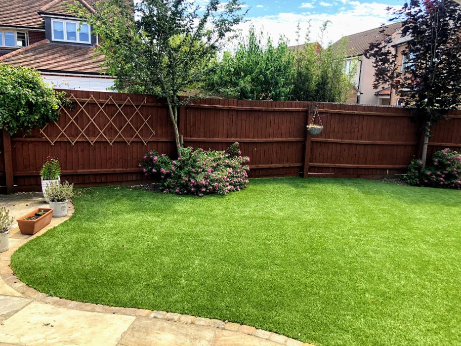guidelocal - Directory for recommendations - Premier Artificial Lawns Ltd in Dunmow
