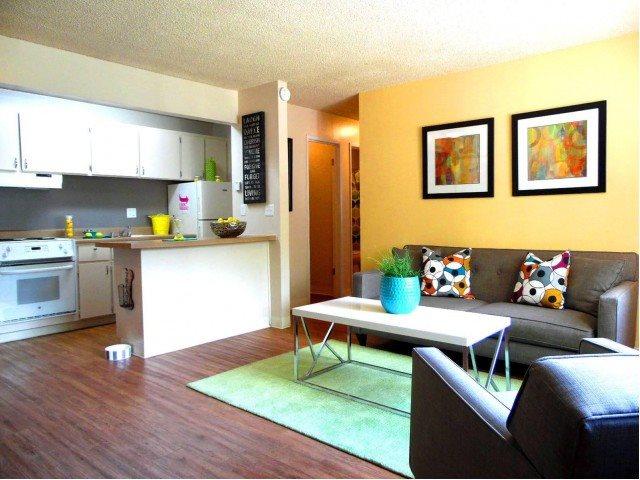 J Street Apartments - Davis, CA 95616 - (530)756-2100 | ShowMeLocal.com