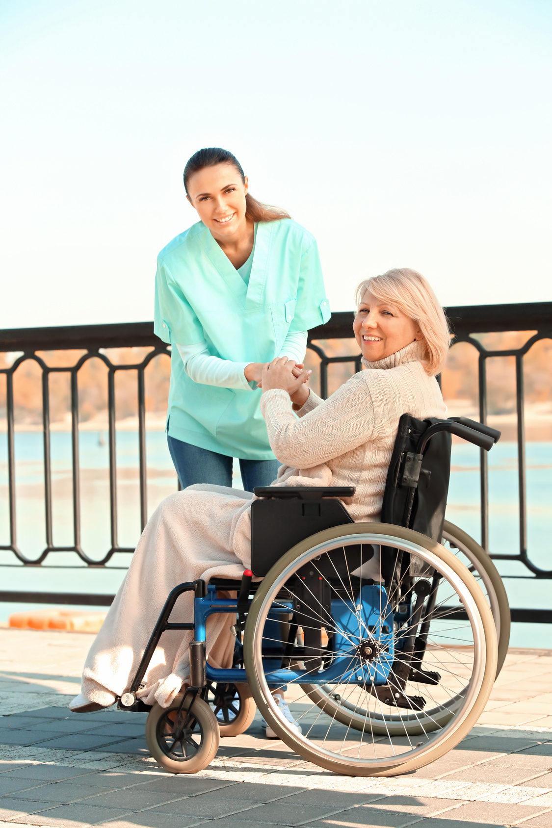 Assisting Hands Home Care - Dallas, Fort Worth & Surrounding Areas - Dallas, TX 75240 - (214)865-7870 | ShowMeLocal.com