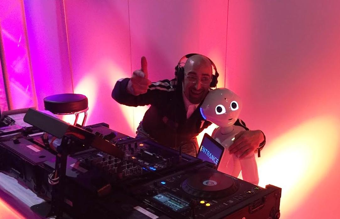 Bild zu DJ Vince Party- und Hochzeits-DJ in Düsseldorf