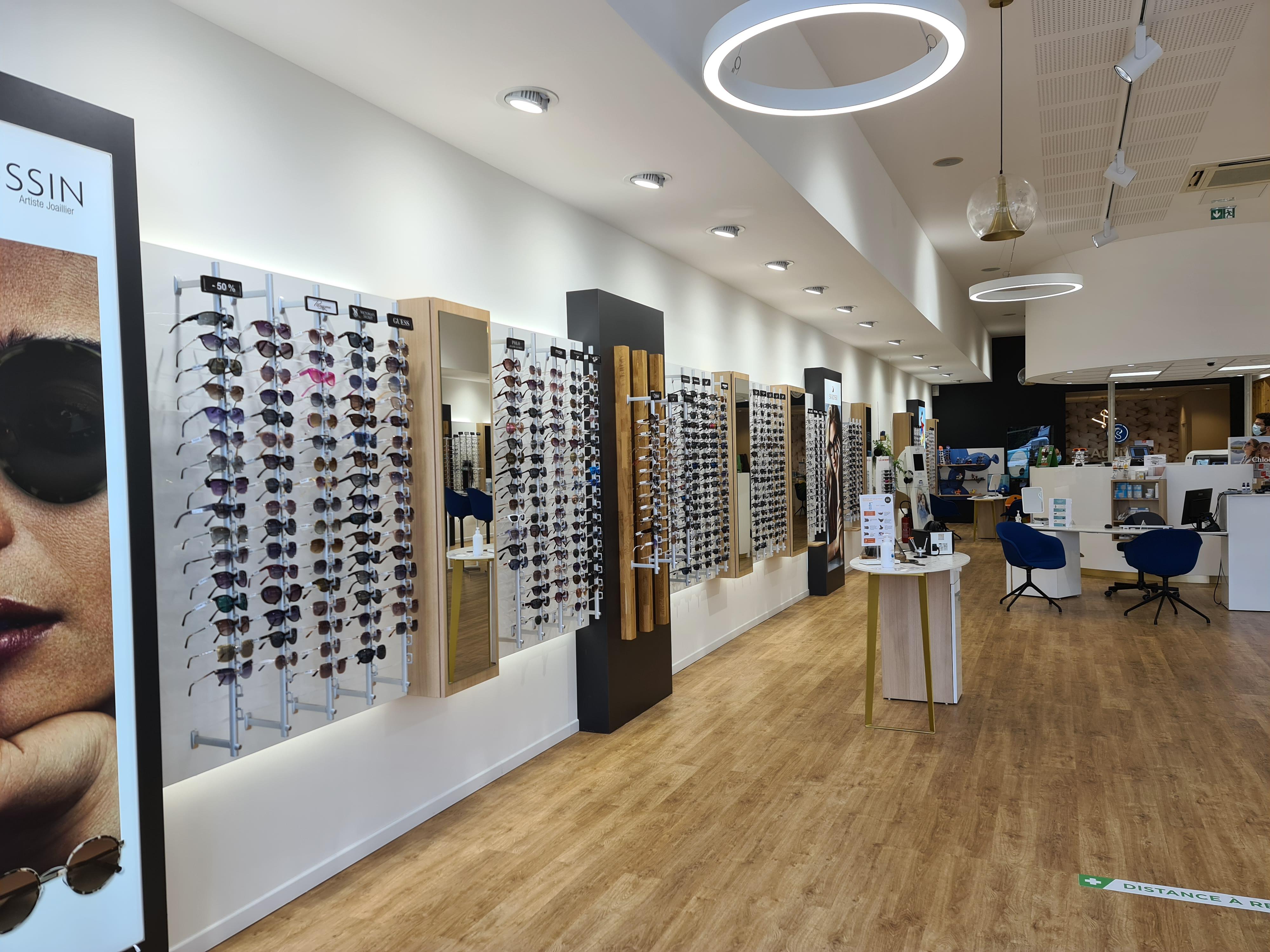 Opticien Optic 2000 Valence Plateau des Couleures - Lunettes, lunettes de soleil, lentilles