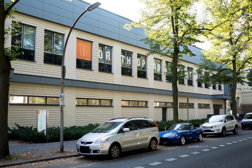 orthop diezentrum schmargendorf berlin warnem nder stra e 8 ffnungszeiten angebote. Black Bedroom Furniture Sets. Home Design Ideas