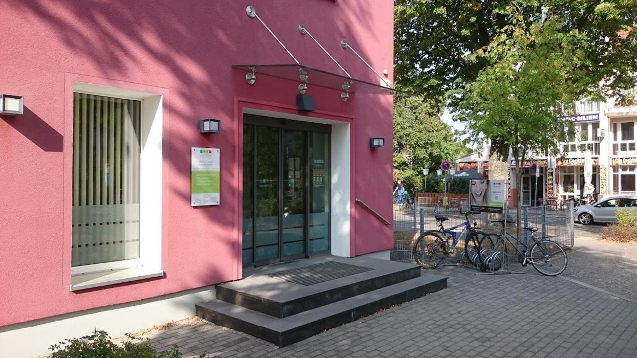 ADENTICS - Die Kieferorthopäden - Blankenfelde Mahlow, Am Bahnhof in Blankenfelde-Mahlow