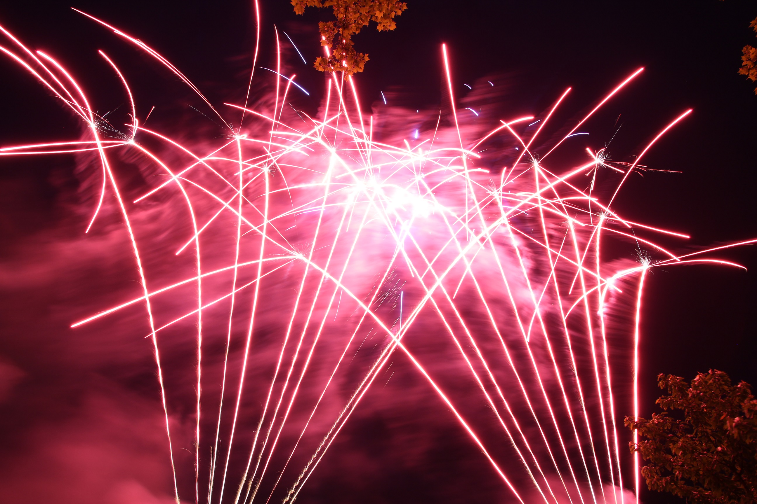 Feuerbändiger Feuerwerke