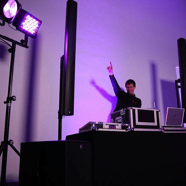 Huss - music in motion - DJ & Mobile Disco Alb-Donau