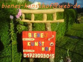 bienes-kunsthof Gestaltung von Holz & Keramik