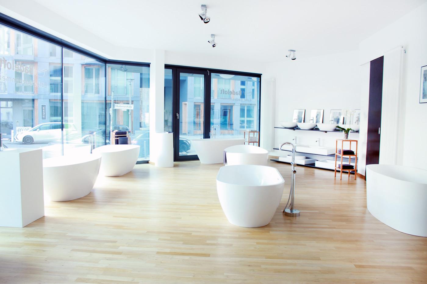 badeloft showroom berlin innenausbau verschiedenes. Black Bedroom Furniture Sets. Home Design Ideas