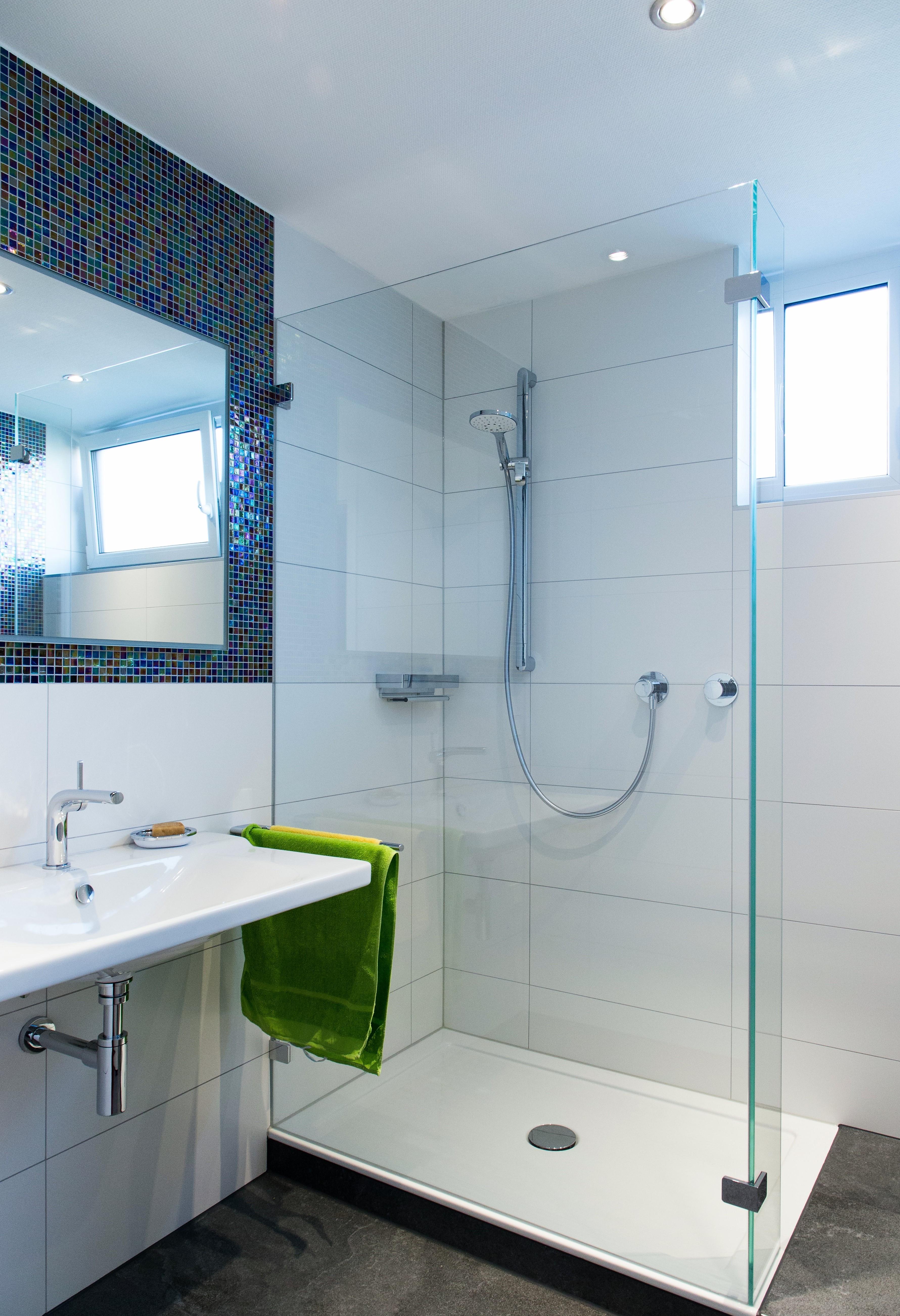industrielle fertigung und auslieferung in kriftel infobel deutschland. Black Bedroom Furniture Sets. Home Design Ideas