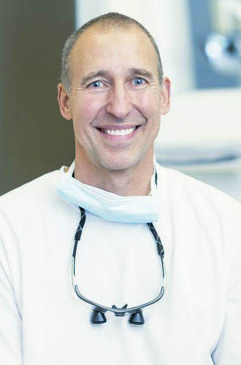 Dr. med. dent. Georg Vankerkom