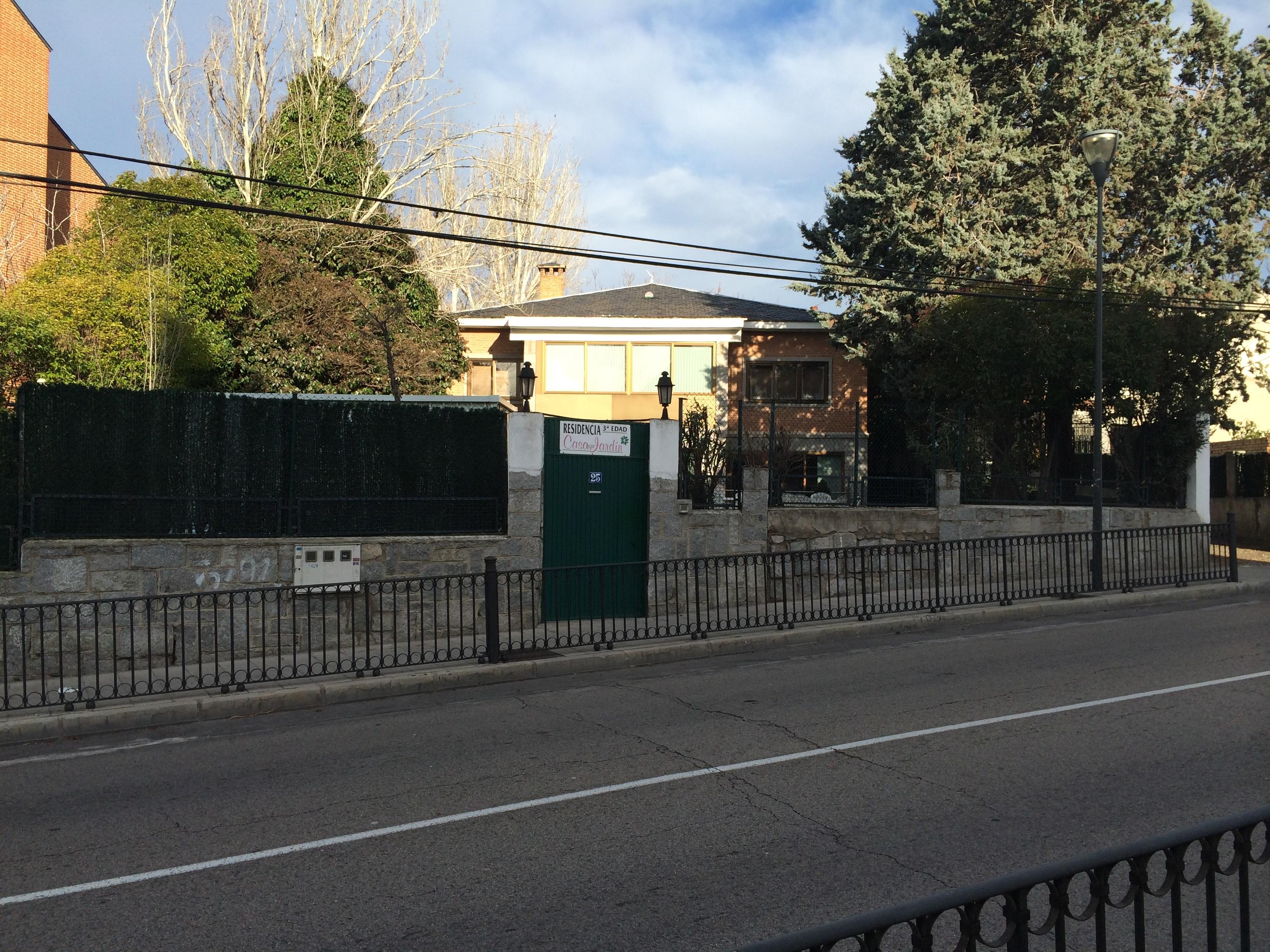 Residencia casa jard n tercera edad art culos y for Residencia el jardin madrid