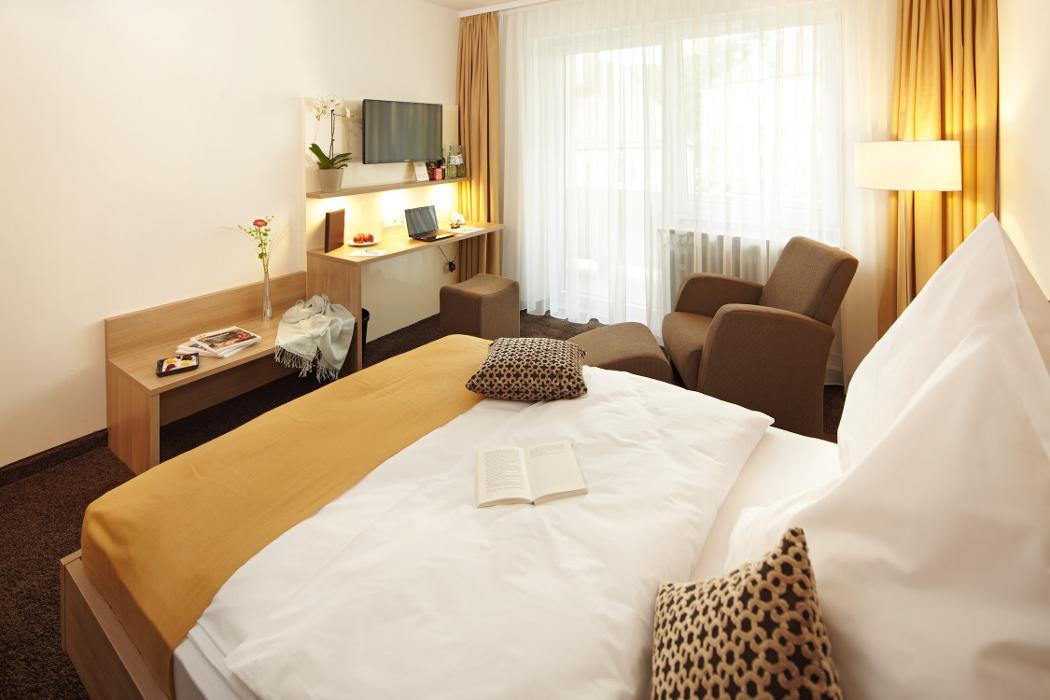 abclocal.alt.text.photo.1 Hotel & Gasthof zum Hirsch abclocal.alt.text.photo.2 Wertingen