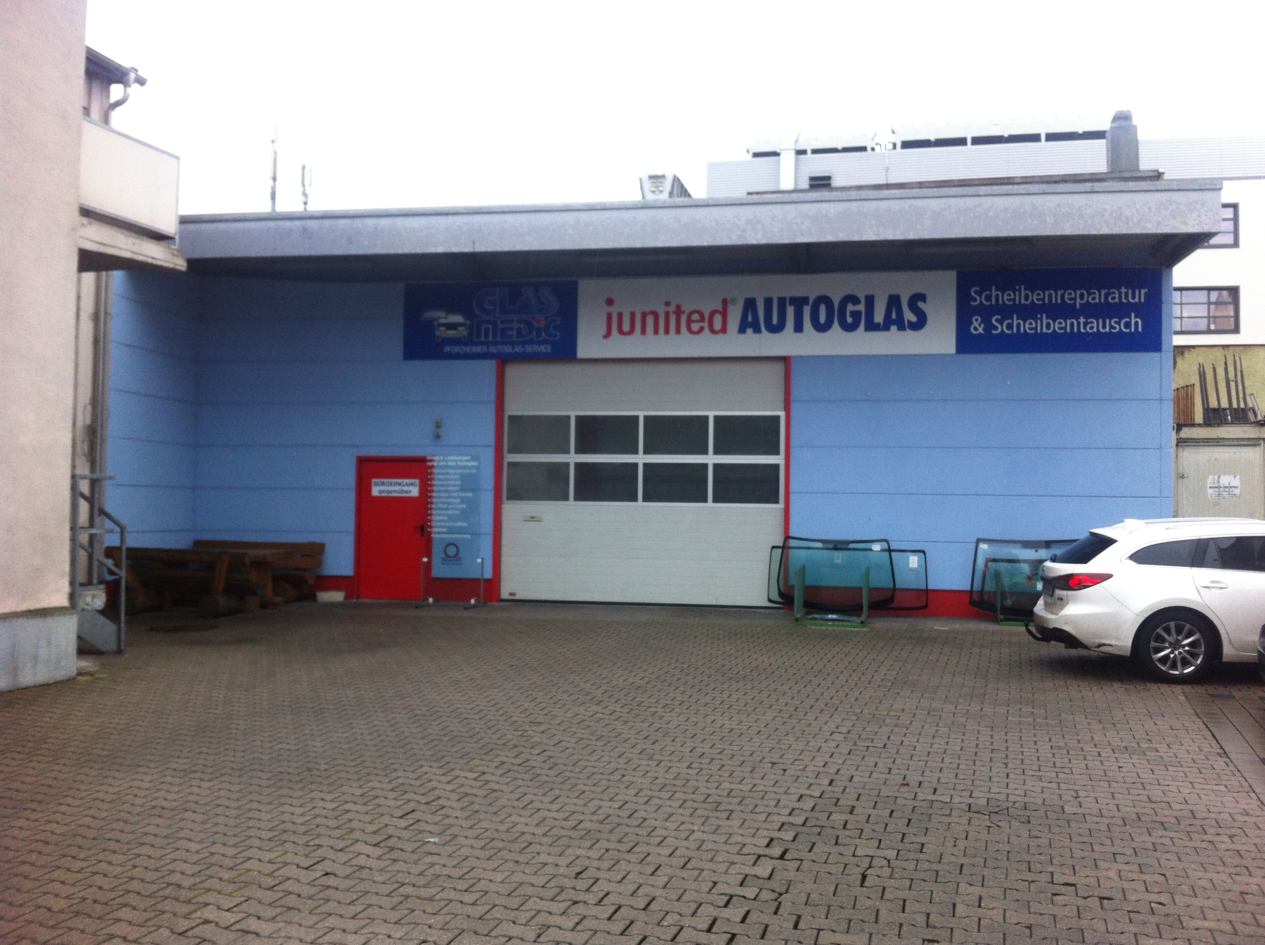 junited AUTOGLAS Pforzheim