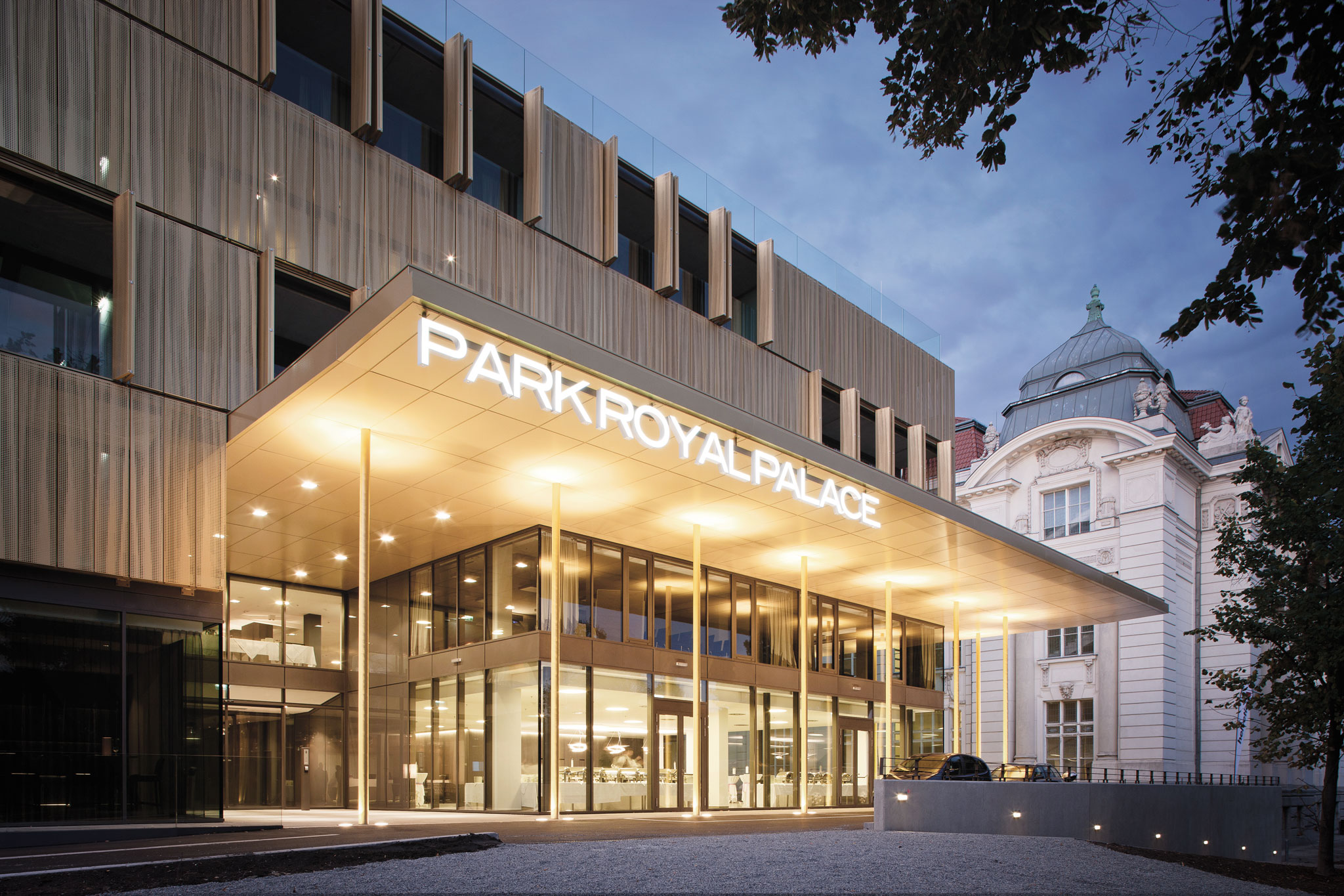Radisson Blu Park Royal Palace Hotel