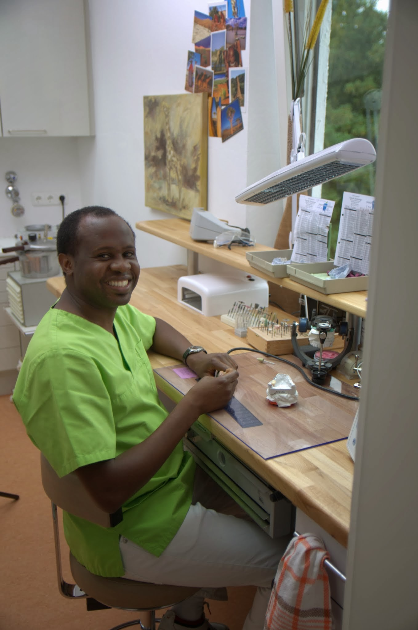 Zahnarztpraxis Vapula Haukongo