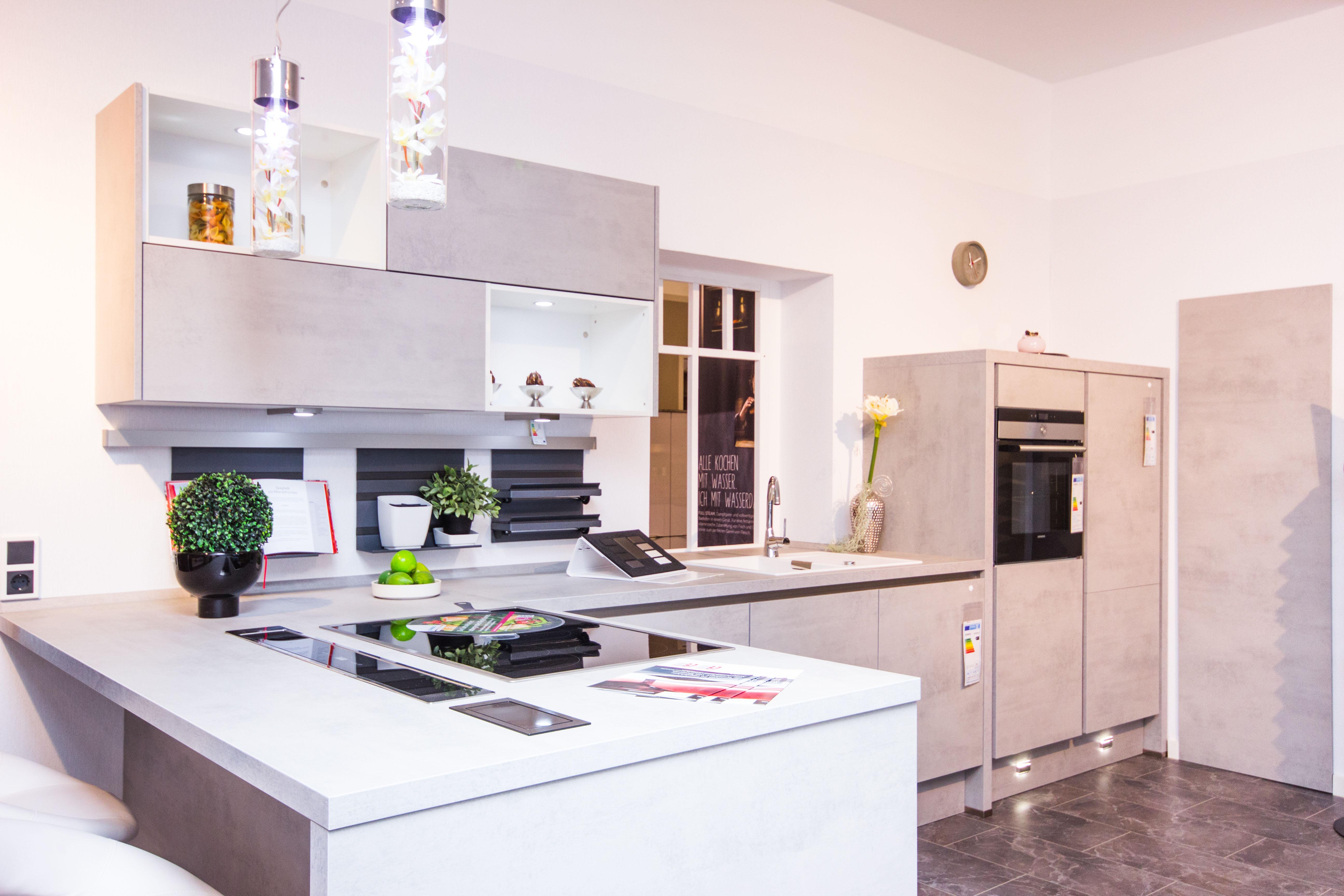 k che co halle saale in 06112 halle saale. Black Bedroom Furniture Sets. Home Design Ideas