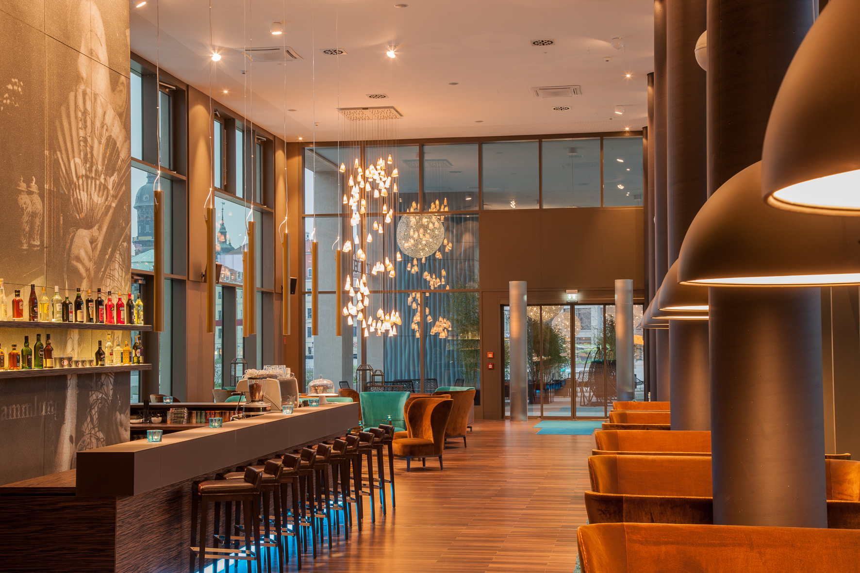 Hotel motel one dresden am zwinger hotels hotels for Design hotel dresden