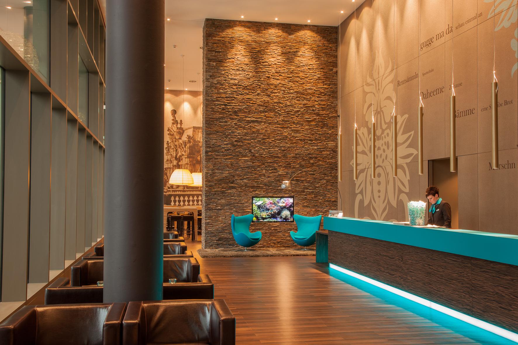 hotel in dresden zimmer. Black Bedroom Furniture Sets. Home Design Ideas