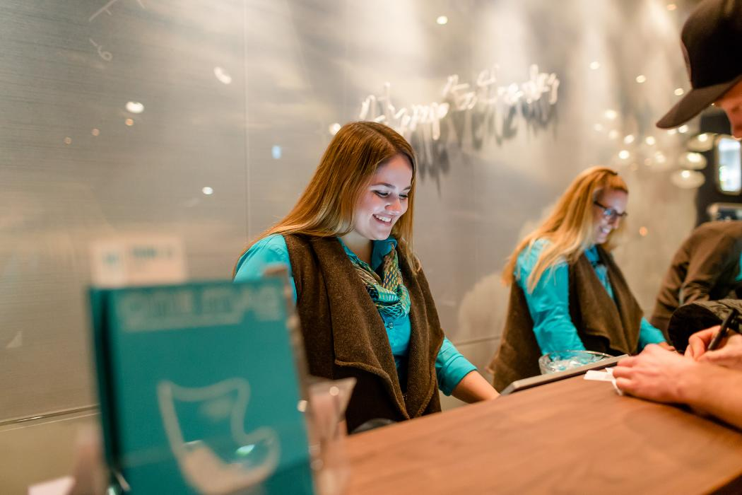 abclocal - discover about Flughafenhotel Motel One Frankfurt-Airport in Frankfurt am Main