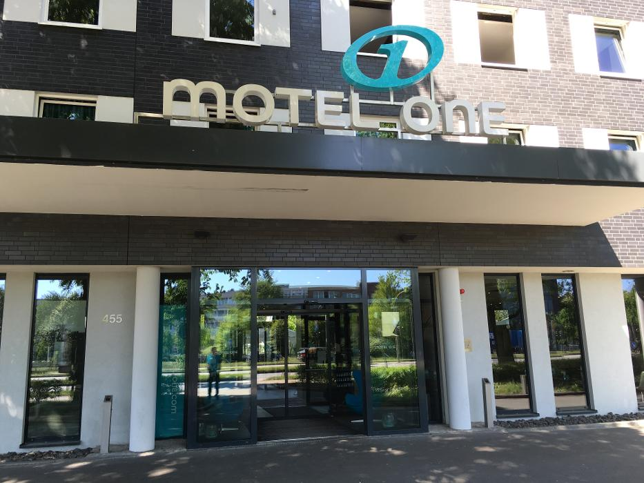 abclocal.alt.text.photo.1 Flughafenhotel Motel One Hamburg-Airport abclocal.alt.text.photo.2 Hamburg-Nord