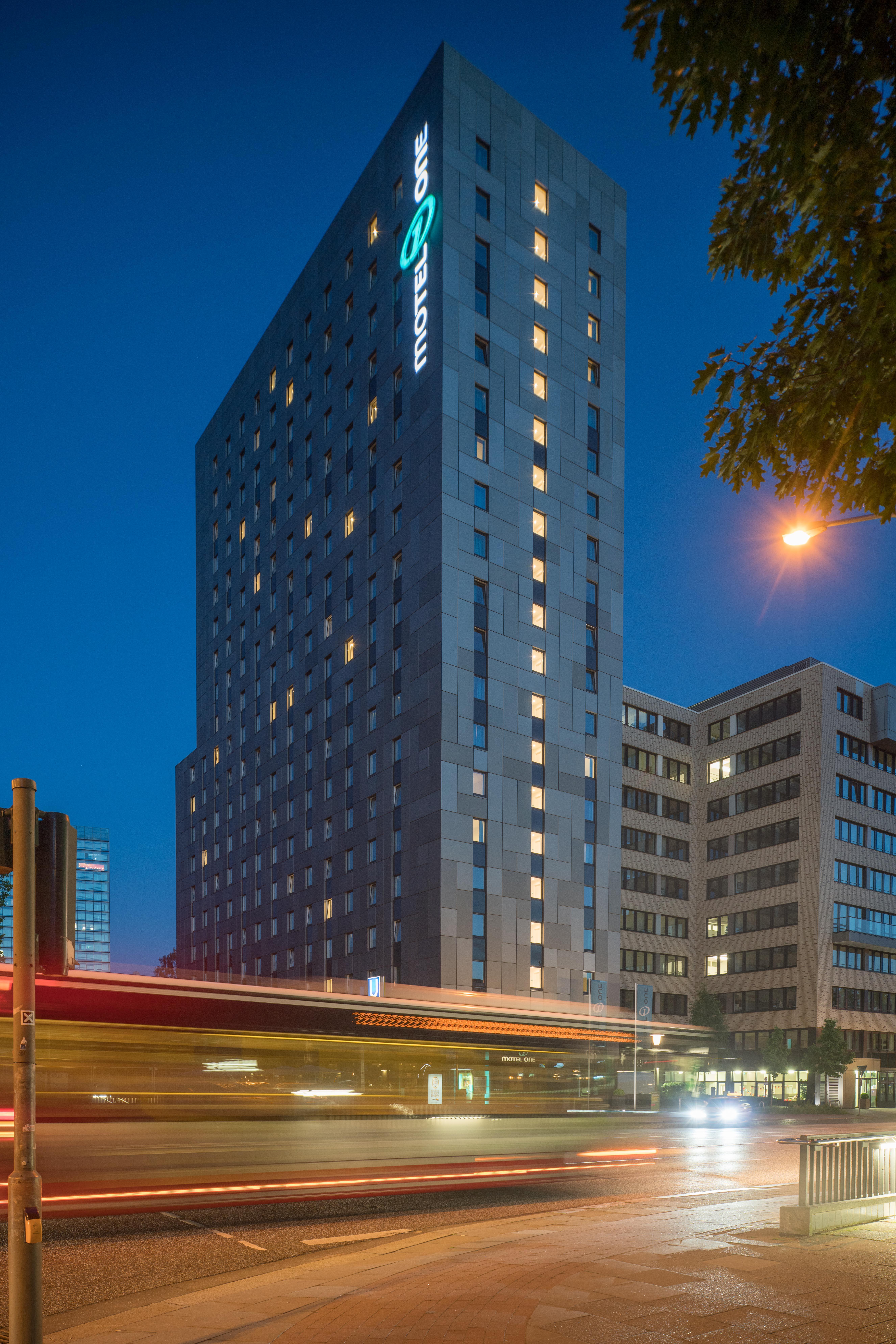 Permalink to Hotel Motel One Hamburg Alster Hamburg