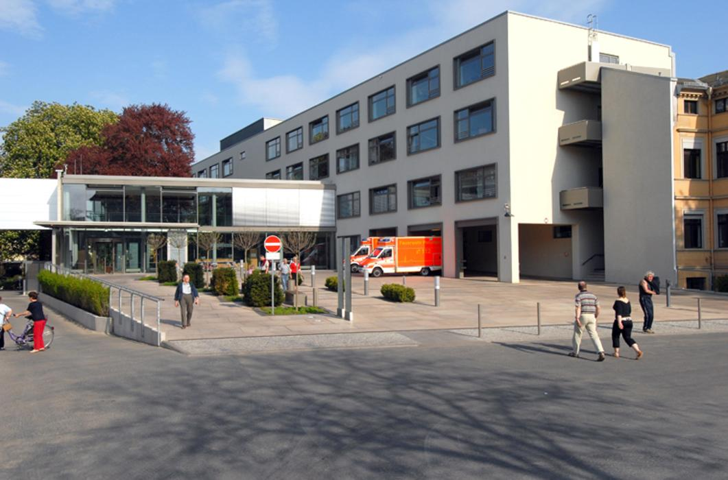 St. Josefs-Krankenhaus Potsdam-Sanssouci • Potsdam, Allee ...