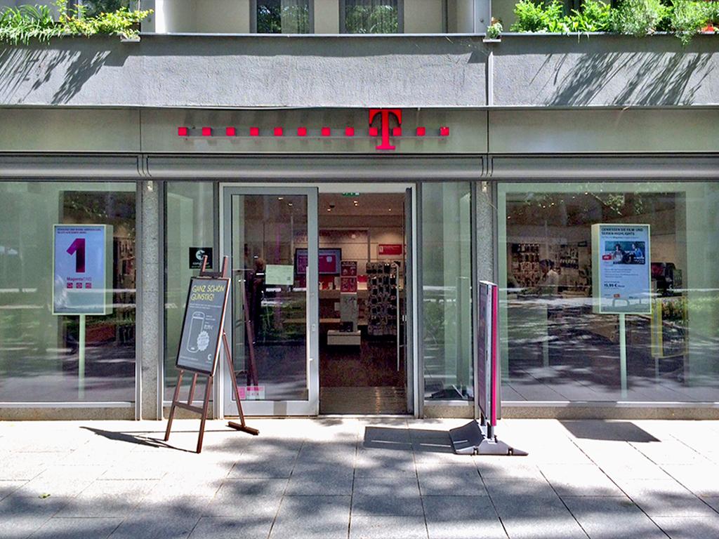 Telekom Shop Dresden-Neustadt - Telekommunikationsdienste Dresden - Deutschland (TEL 08003301...)