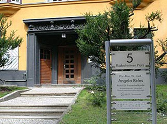 Dr. med. Angela Reles | Gynäkologische Praxis am Rüdesheimer Platz