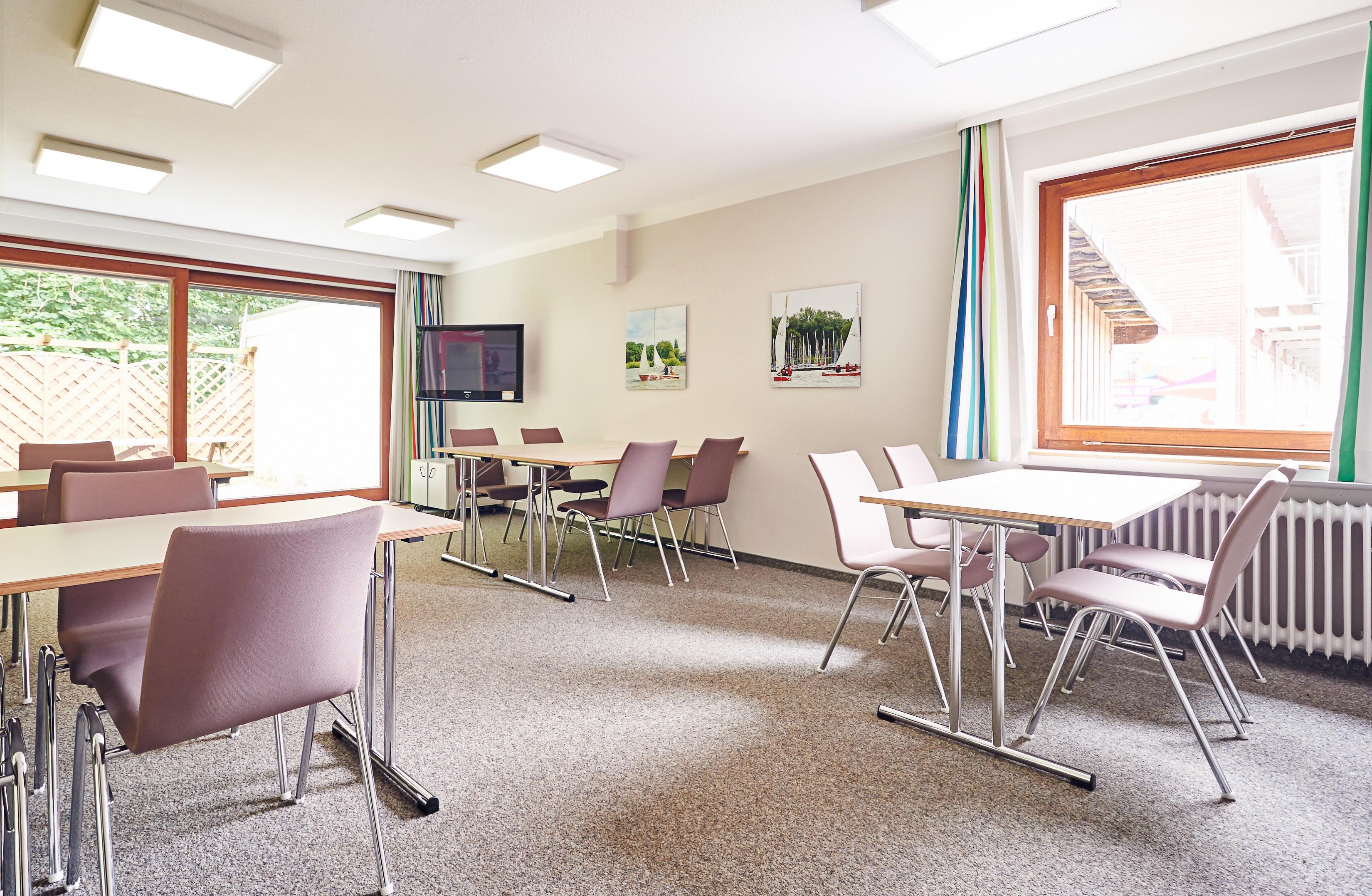 jugendherberge bad zwischenahn hotels hotels restaurants bad zwischenahn deutschland tel. Black Bedroom Furniture Sets. Home Design Ideas