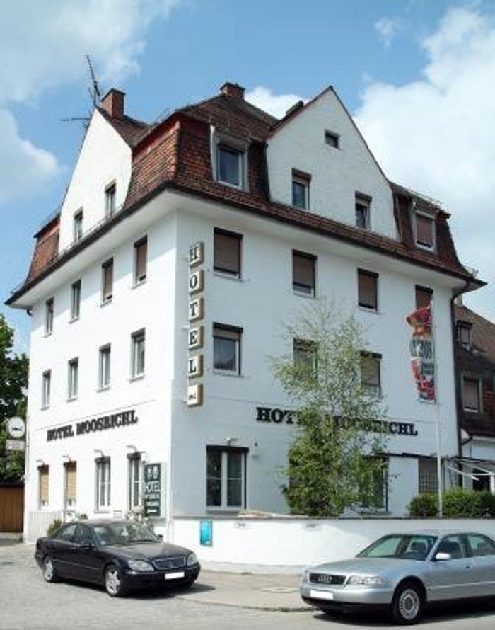Hotel München Moosbichl, Rathgeberstraße in München