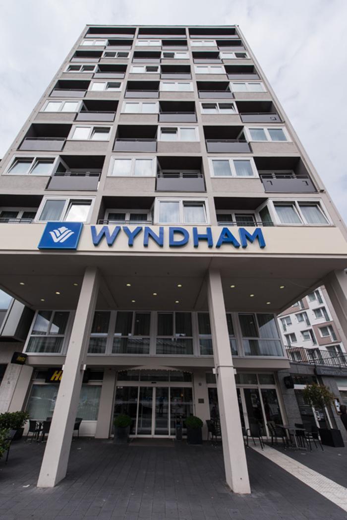 Wyndham Köln, Breslauer Platz in Köln