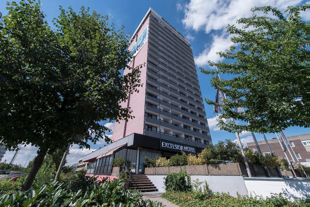 Excelsior Hotel Ludwigshafen, Lorientallee in Ludwigshafen am Rhein