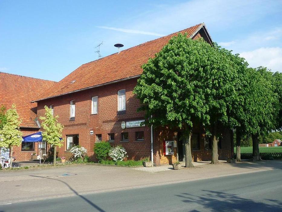 Bild zu Hotel Vier Linden in Lüdersfeld