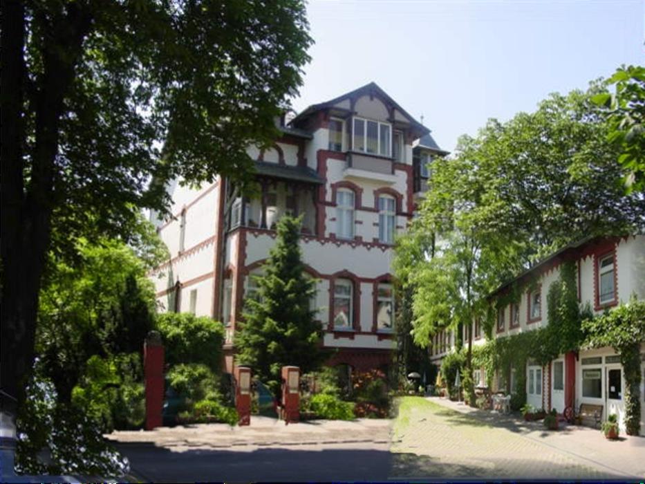 ApartHotel Landhaus Lichterfelde mit Remise anno 1895