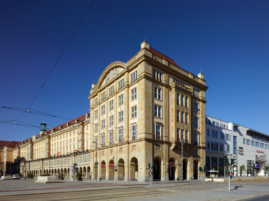 Altmarkt-Galerie Dresden, Webergasse in Dresden