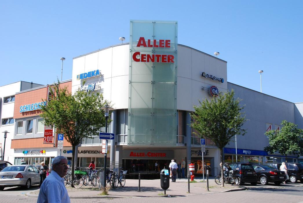 Allee-Center Essen-Altenessen, Altenessener Straße in Essen