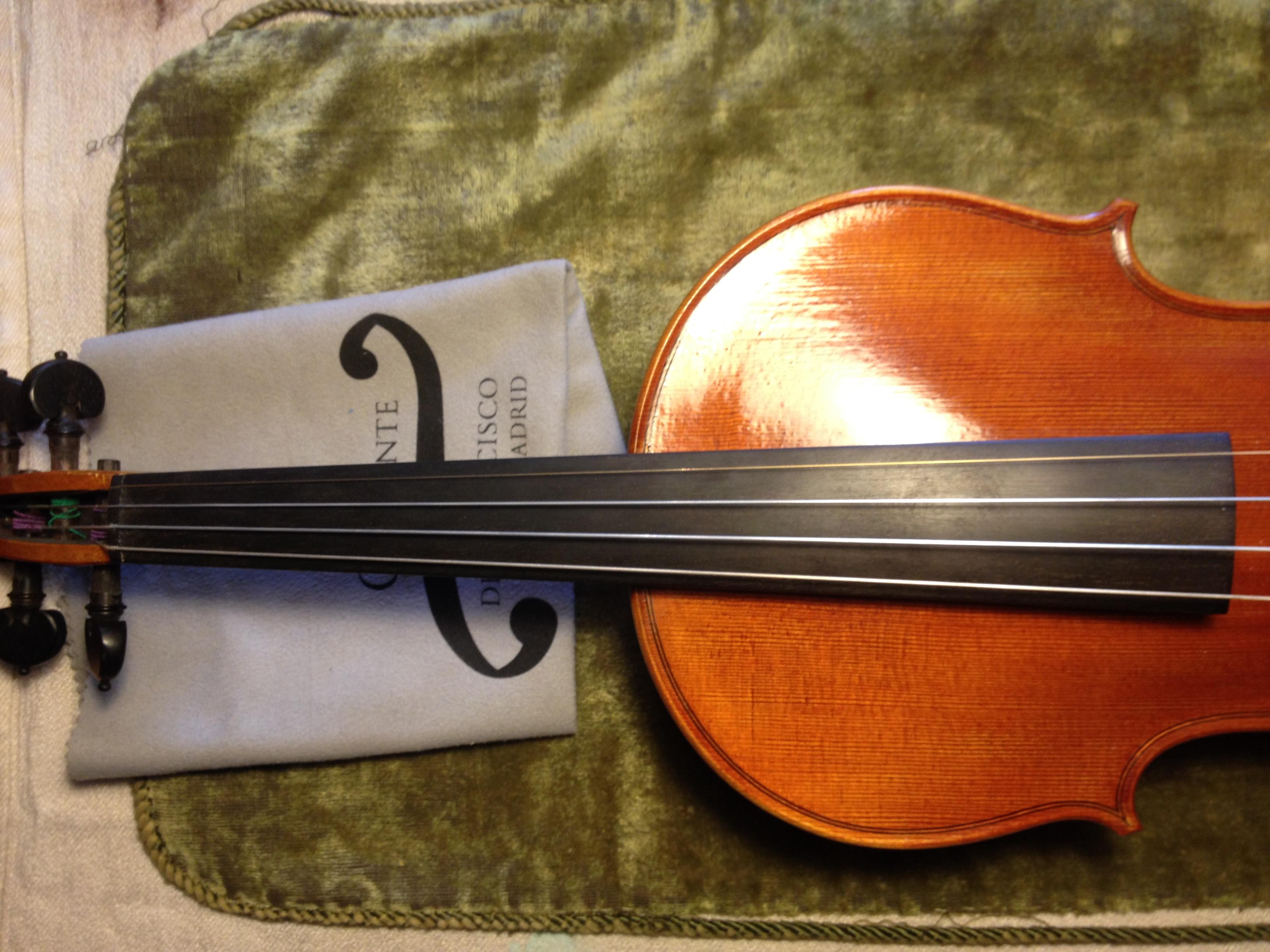 Luthiers. Clemente & de Francisco. Violines, violas, violoncellos.