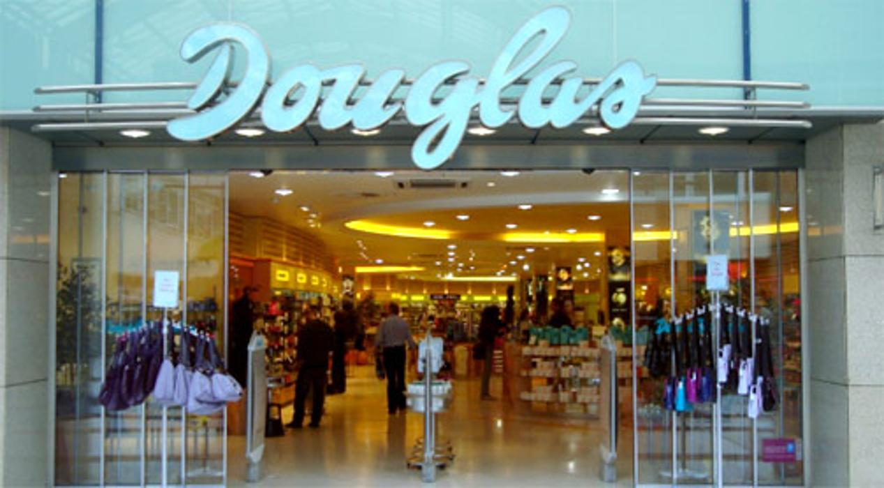 8b427c72acc7f0 Parfümerie Douglas Frankfurt am Main in 60439