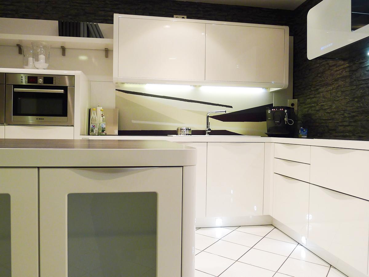 Reddy kuchen ergolding ergolding kontaktieren dialode for Küchenfirmen