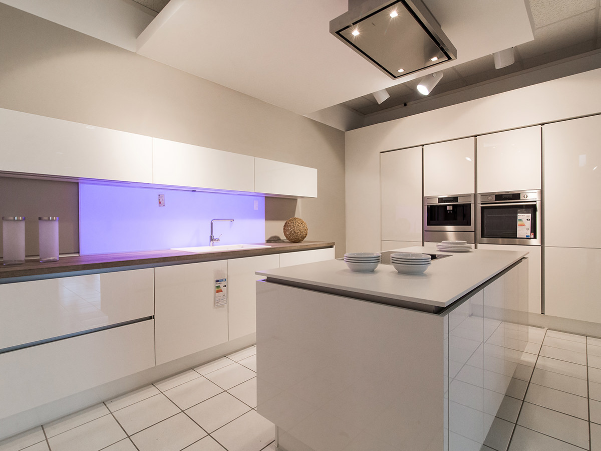 reddy k chen halle in 06116 halle saale. Black Bedroom Furniture Sets. Home Design Ideas