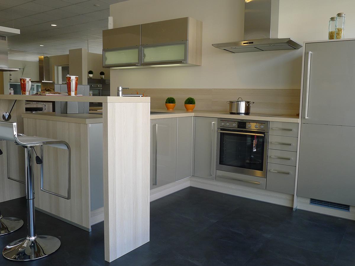 reddy k chen moers k chenm belherstellung moers deutschland tel 02841981. Black Bedroom Furniture Sets. Home Design Ideas