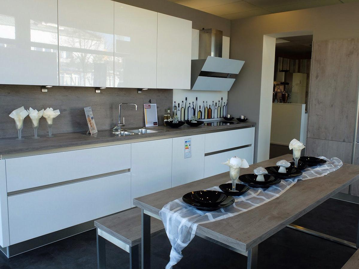 Reddy kuchen schweinfurt kuchenmobelherstellung for Küchen schweinfurt