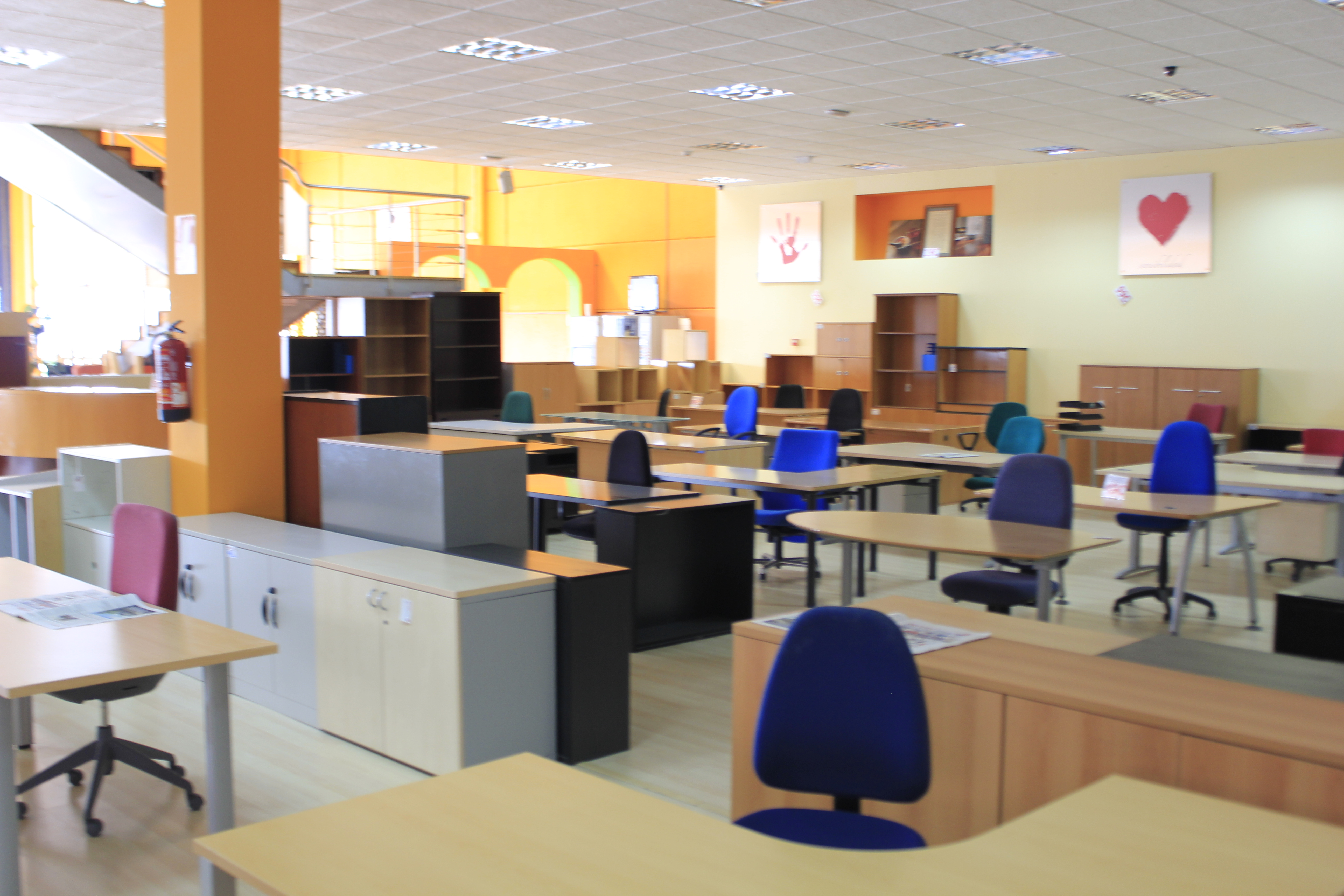 Casa jard n muebles en valverde de leganes infobel for Casas de muebles en madrid