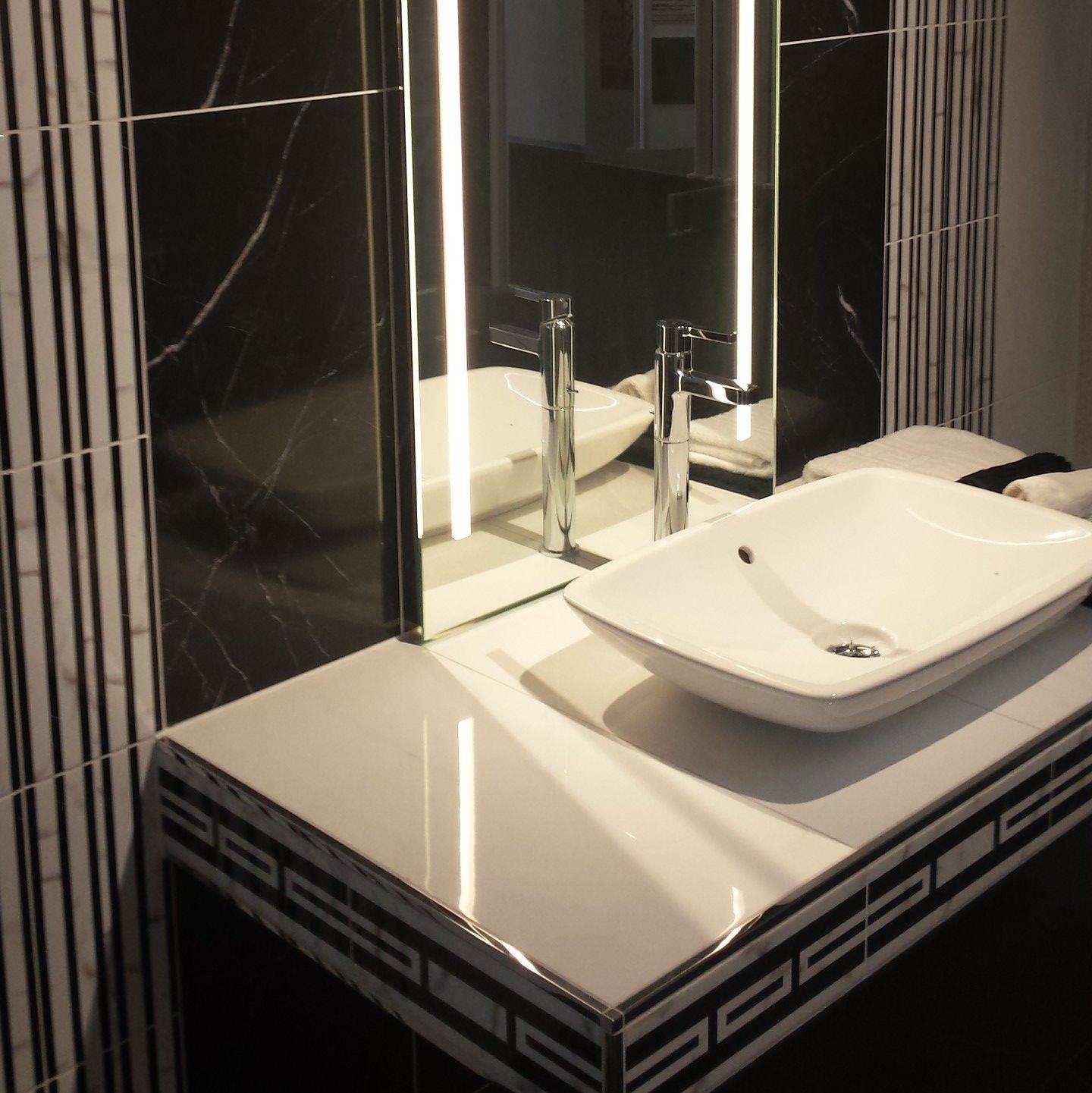 r b fliesenverlegung herstellung von fliesen und steinplatten kiel deutschland tel. Black Bedroom Furniture Sets. Home Design Ideas