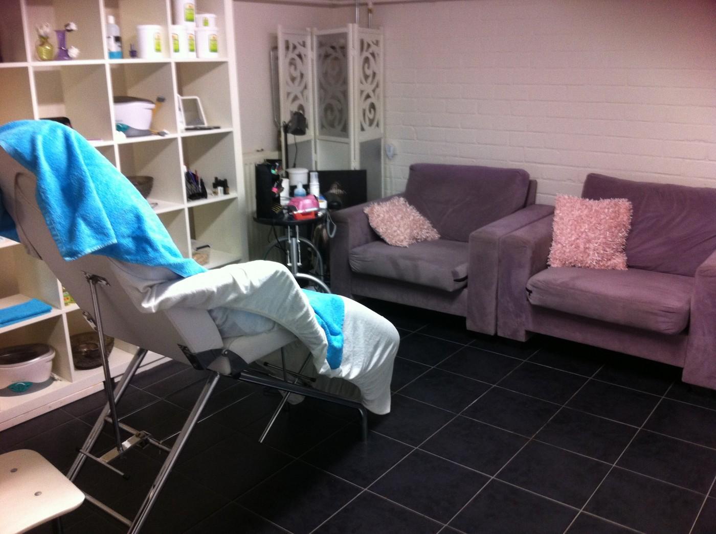 J&E Beauty & Visagie Salon