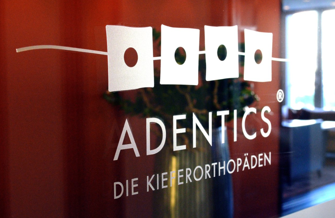 ADENTICS - Kieferorthopäde Berlin - Mitte